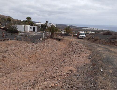El Consejo Insular de Aguas culmina la limpieza de un tramo del barranco secundario de Temisas en la zona de La Luciana en Haría